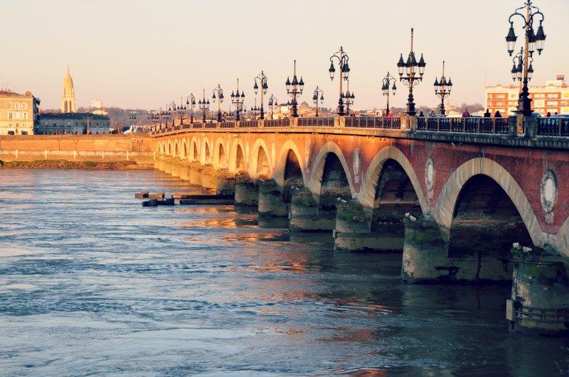 { Pont Saint Pierre }