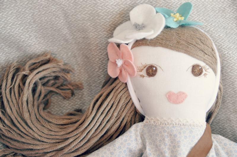 Boneca de pano: apresento-vos a Maria Eduarda…